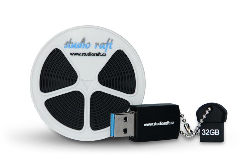 Uložení digitalizovaných videí na 32 GB USB flashdisk ve tvaru filmového kotouče